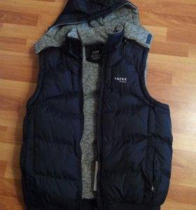 Куртка безрукавка на синтепоне