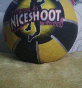 Мяч для игры в баскетбол