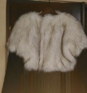 Курточка из искуственного меха новая
