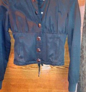 Лёгкая куртка 40 -42 рмзмер