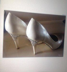 Новые свадебные туфли р.39