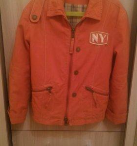 Куртка на теплую осень-весну на 7-9 лет