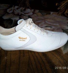 Туфли (новые) мужские белые