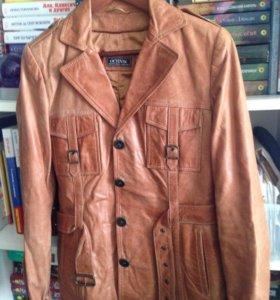 Кожаная куртка р. 44-46