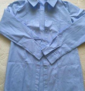 Нежно-голубая женская рубашка 40