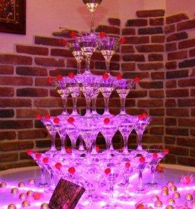 Пирамида из бокалов.