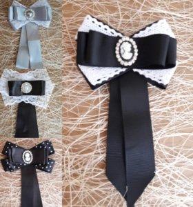 Брошь галстук ручной работы
