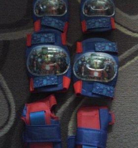 Комплект защиты для катания на роликах р-н м