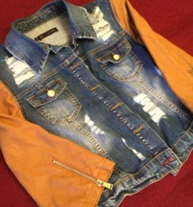 Крутая джинсовая куртка