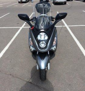 Продам скутер SYM GTS 250