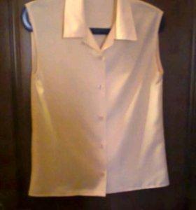 Блузка бледно-желтого цвета