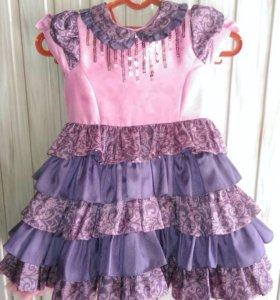 Нарядное платье (98-104см) 2-4года