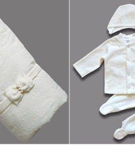 Конверт-одеяло и комплект одежды на выписку