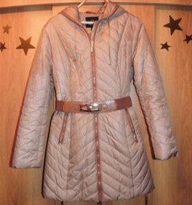Пальто женское.