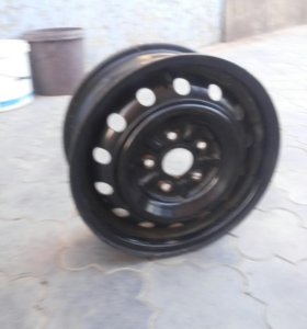 Диски колесные r- 15. Диаметр ступицы 57. 5*100