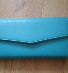 Красивая и модная сумка клатч