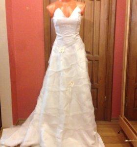Свадебное платье расмотрю обмен