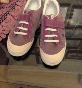 Кросовки для девочки разм 34