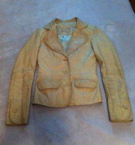 Кожаный пиджак приталенный