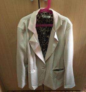 Пиджак по последней моде размер 44,46