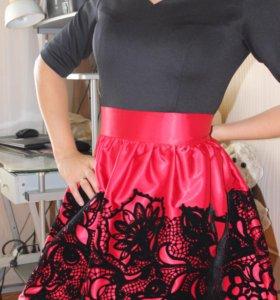 Платье очень красивое 44-46 р.