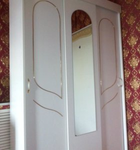 Спальный гарнитур(белый)