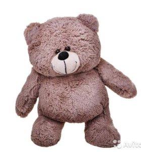Том - пухленький медведь. Плюшевые мишки