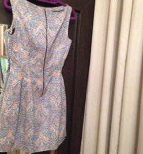 очень красивое платье Zara. xs-s