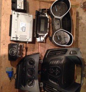Ford Focus 3 магнитола, приборная панель и др