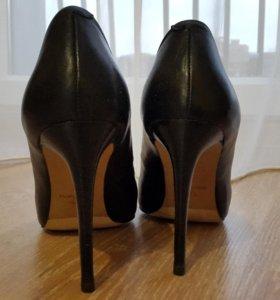 Туфли кожаные в идеальном состоянии