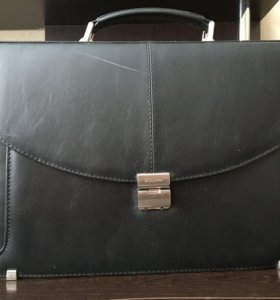 Мужской чёрный портфель BOLiNNI