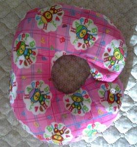 Подушка для младенца воротник (новая)
