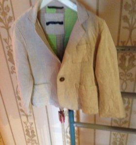 Пиджак для мальчика размер2-3 года