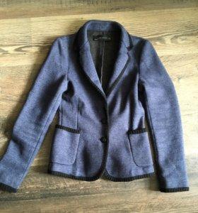 Шерстяной женский пиджак ZARA