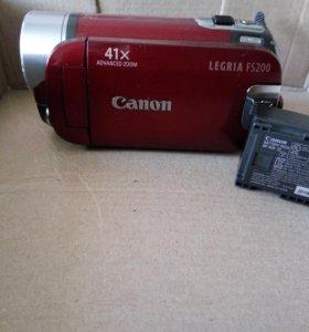Цифровая видеокамера Canon Legria FS200