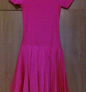 Платье для занятий бальными танцами.