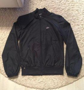 Женская Куртка NIKE , размер 46(М).