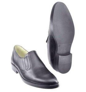 Новые уставные туфли 44 размер