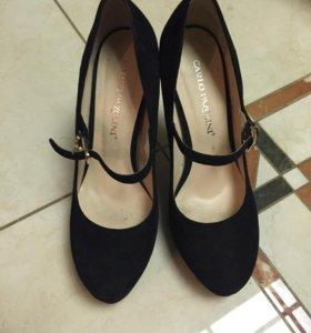 ЦЕНА СНИЖЕНА замшевые туфли на каблуке