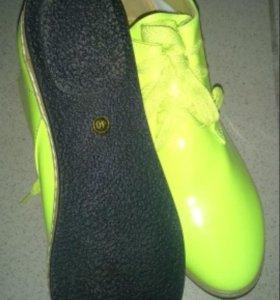 Продам новые ботинки не дорого!!!!