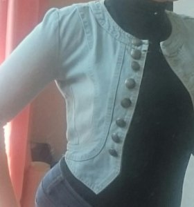 Джинсовая куртка новая 42-44 размер