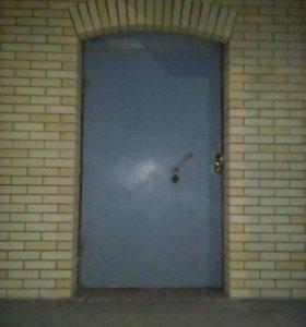 Продаю входную дверь в Новую