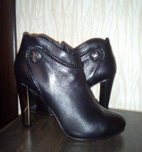 Ботинки женские, кожа, 39 размер