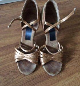 Туфли для бальных танцев Aida