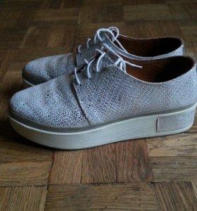 Натуральные кожаные ботинки. Кеды, кроссовки