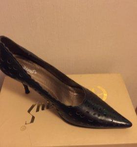 Женская обувь новая ,размер 40