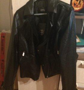 Куртка новая 52 размер