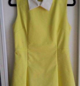 Платье лимонного цвета с воротничком