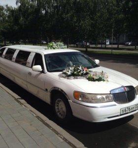 Свадебное украшение автомобиля