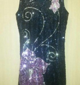 Платье S-M.